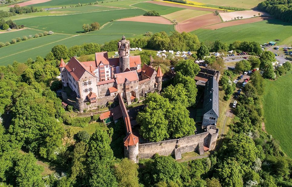 Luftaufnahme der Burg Ronneburg